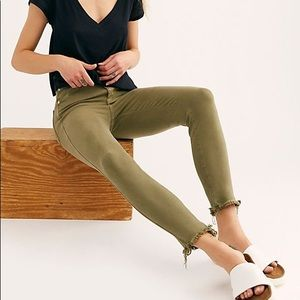 FREE PEOPLE Raw High-Rise Jegging NWT 28 & 30 Army